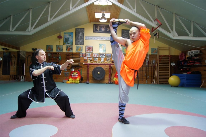 GM Walter Toch & Shaolin monk Shi Heng Jin in private training